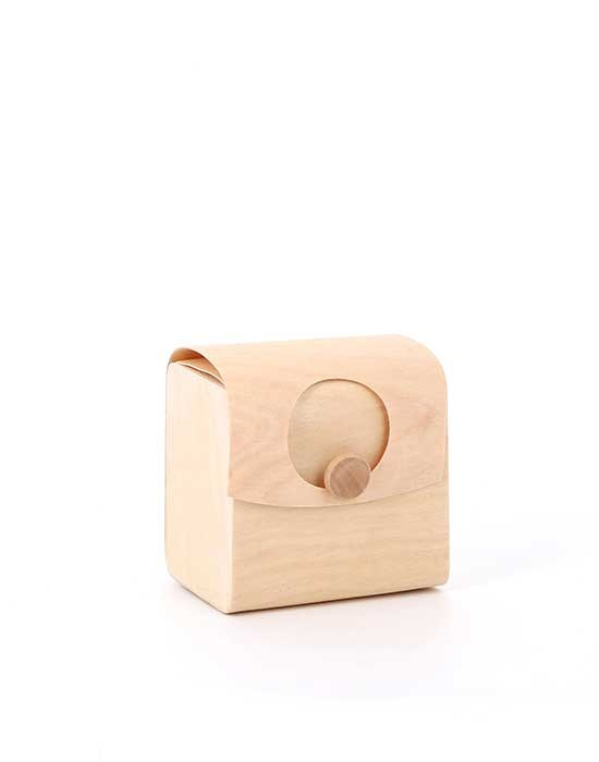Boîte nature en bois avec rabat pour ouverture/fermeture